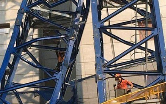 2 killed, 3 injured in crane accident at construction site