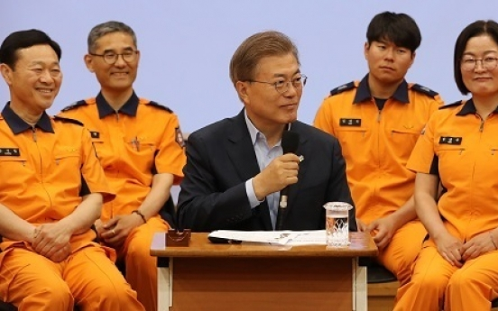 Moon reaffirms promise to support firefighters