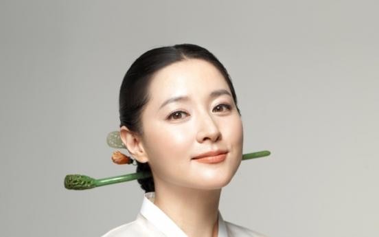 Korean actress donates to Sri Lanka flood relief