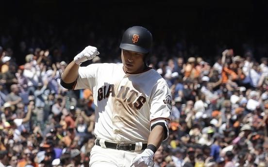For Giants' Hwang Jae-gyun, MLB debut means major payday