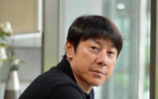 Ex-U-20 football coach to lead Korea's senior squad for World Cup