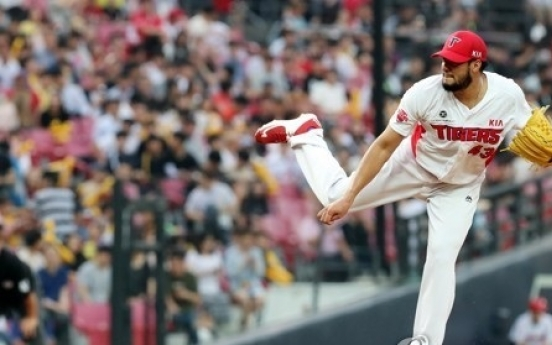 Ex-MLB pitcher ties winning streak record in Korean league with smarts, guile