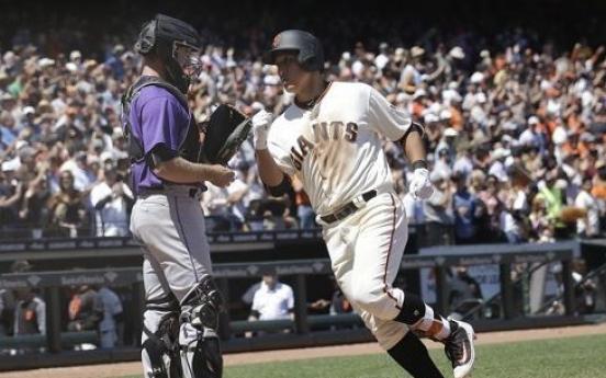 Giants demote slumping Korean to minors