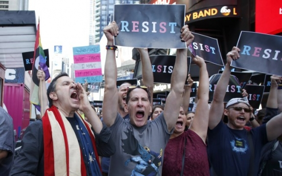 [Newsmaker] Transgender personnel barred from US military: Trump