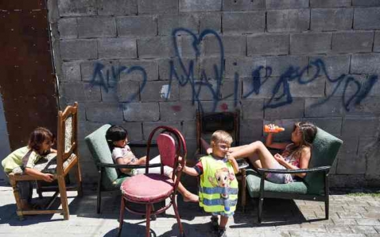 Kosovo Roma seek justice for lead-poisoned children