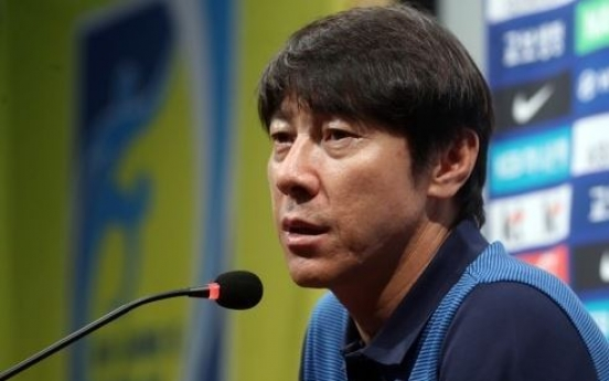 Korea football coach aims to beef up defense for World Cup qualifiers