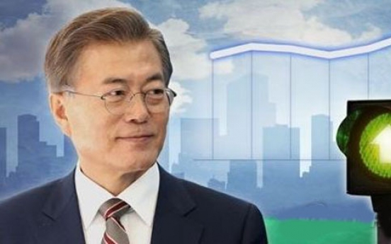 Moon's approval rating rises to 74.4%