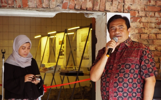 Indonesian architects blueprint models of attractive future