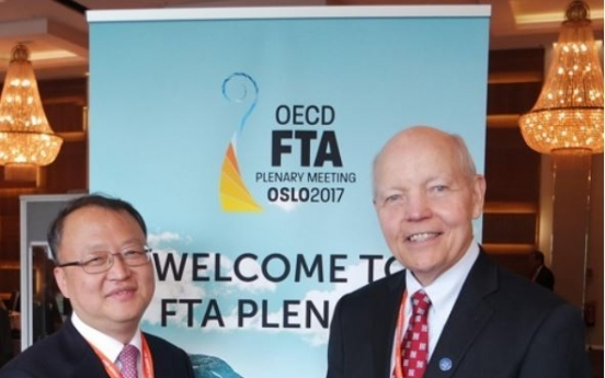 Top tax official attends OECD meeting