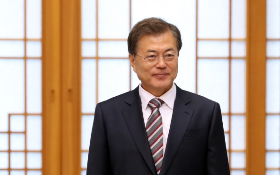 Moon to hold third summit with Trump, attend ASEAN, APEC meetings in November