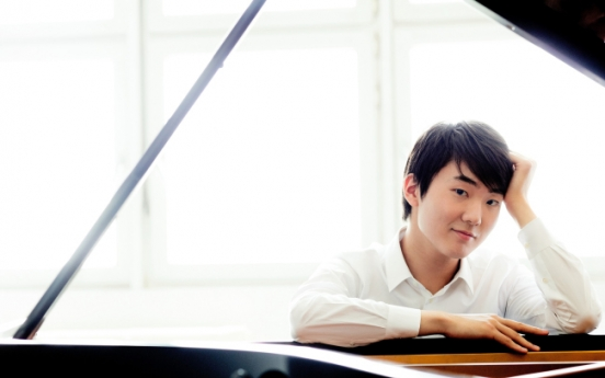Pianist Cho Seong-jin to play with Simon Rattle and Berliner Philharmoniker
