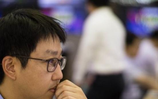 Korean stocks edge up late Thursday morning