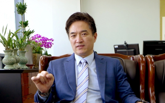 [Herald Interview] Peering into Korean society with sociological imagination