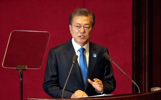 Moon says no nukes in South Korea