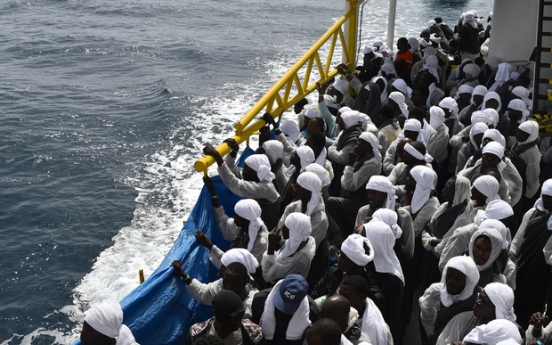 UN begins evacuating refugees from Libya to Niger