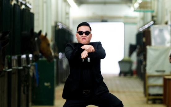 'Gangnam Style' continues funky streak