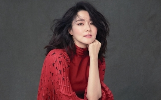 Lee Young-ae donates for independent film