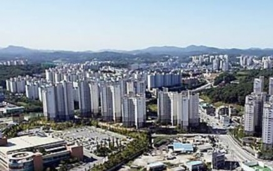 Korea to spend more on public homes, city renovation next year
