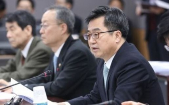 Seoul to seek pre-emptive, market-centered corporate restructuring: finance minister