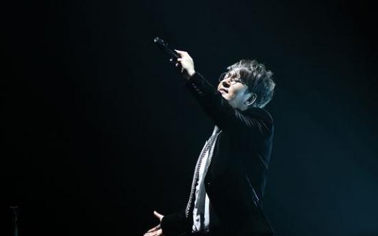27 years on, balladeer Shin Seung-hun says 'life is Polaroid'