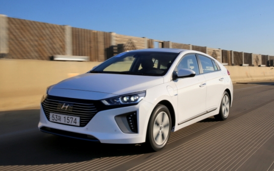 [Behind the Wheel] Ioniq PHEV exciting and stable