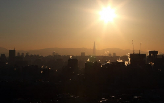 [Weather] Weather grows warmer, fine dust level to rise