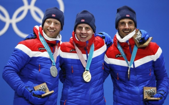 [Photo News] Norway sweeps gold, silver and bronze at men's 30 km skiathlon