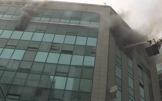 1 dead, 2 injured in Hwajeong multi-complex building fire