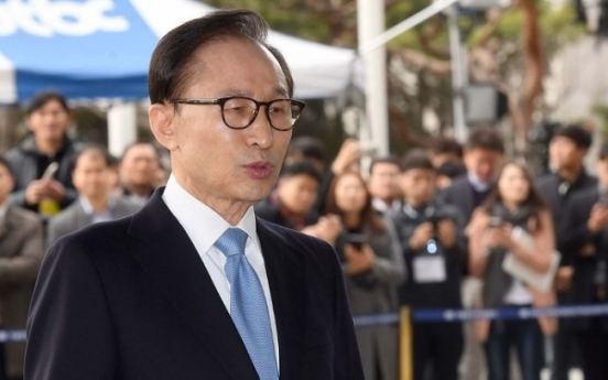 Ex-president Lee Myung-bak grilled on string of corruption allegations