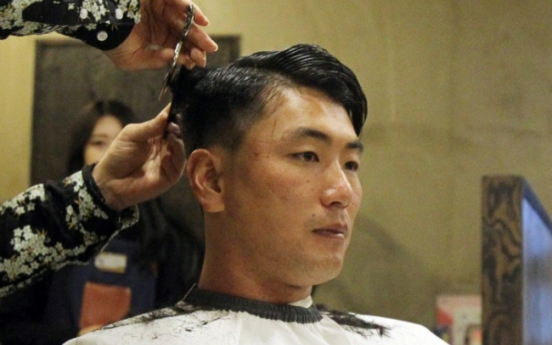 Star left-hander to donate hair for cancer-stricken children
