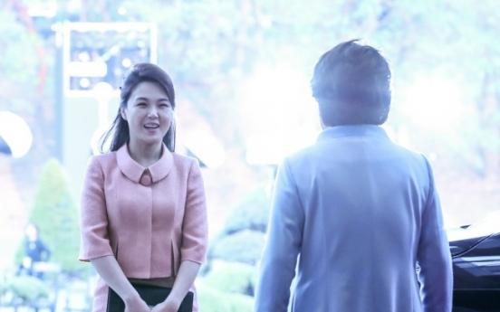 [2018 Inter-Korean summit] Ri Sol-ju becomes 'fashion muse' for North Koreans