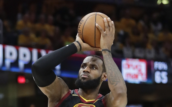 LeBroom: James, Cavs sweep Raptors to make conference finals