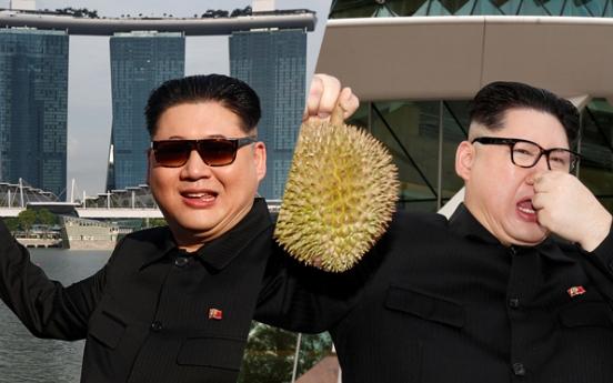 [Photo News] 'Kim Jong-un' seen in Singapore, sniffing durian