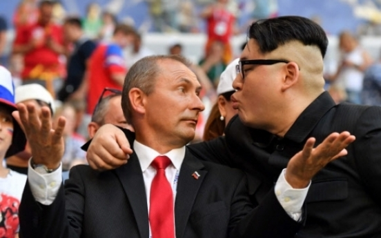 [World Cup] Kim Jong-un, Putin lookalikes stun soccer spectators
