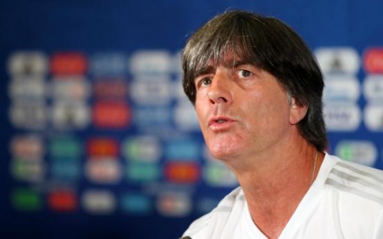 [월드컵] 브라질 언론 '독일 뢰프 감독 7-1 세대 끌어안고 퇴장 위기'