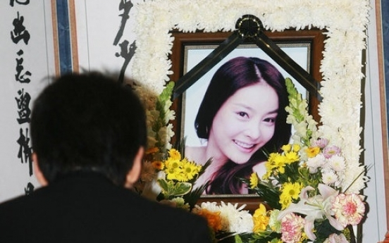 Witness of Jang Ja-yeon sexual abuse case comes forward publically