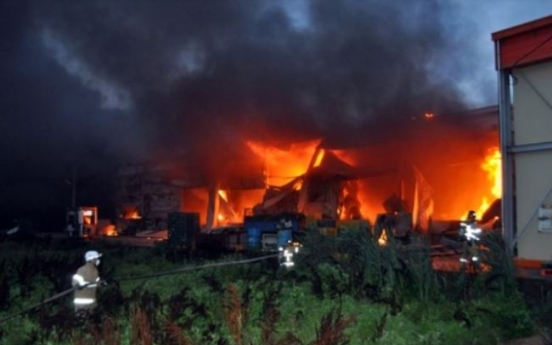 Large fire burns through sweet potato packing factory