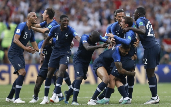 [World Cup] France wins 2nd World Cup title, beats Croatia 4-2
