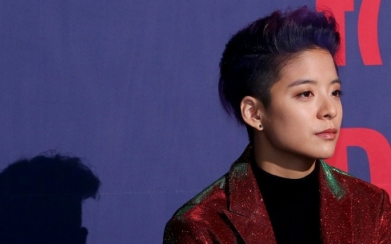 f(x)'s Amber 'keeps in touch with' Krystal