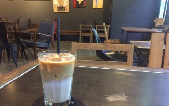 After plastic-cup ban in cafes, some Koreans are 'fed up' with the new rule