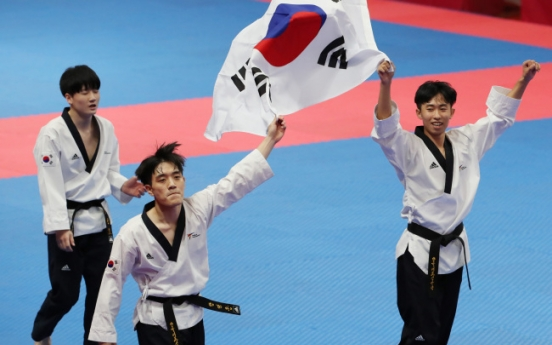 Two taekwondo golds among 11 medals for Korea on Day 1