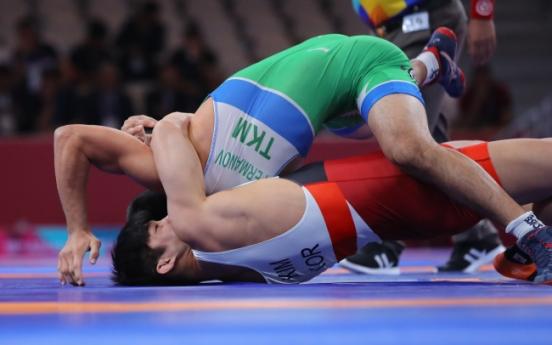 Korean Greco-Roman wrestler fails to defend title