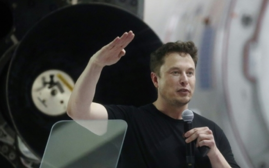 [Newsmaker] US regulators charge Tesla CEO Elon Musk with fraud