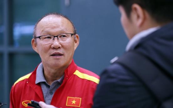 Vietnam's Korean football coach visits homeland for training