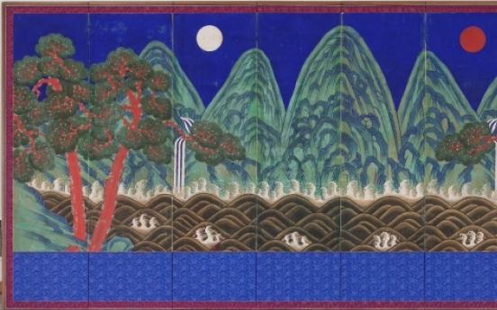 Exhibition brings traditional folding screens into the foreground