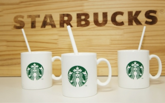 [Newsmaker] Starbucks Korea starts using paper straws nationwide