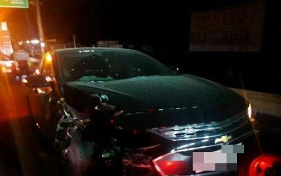Injured woman found in back seat of car 7 hours after crash