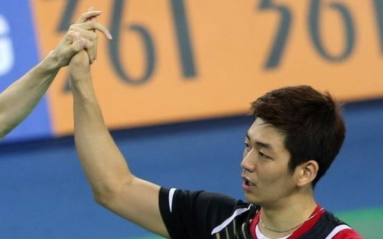 Badminton star embroiled in fake service records controversy