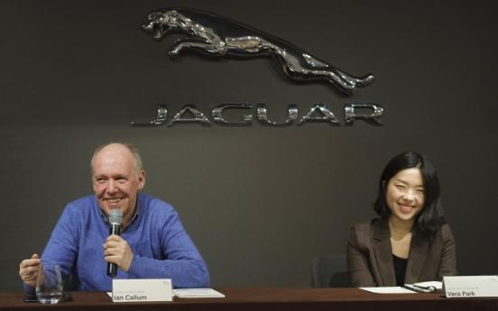As Jaguar eyes driverless cars, steering wheels to stay: designer