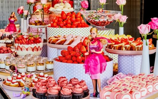 Strawberry season returns to luxury hotels